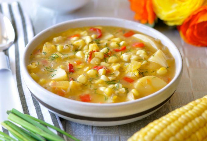 Easy Corn Chowder With Potatoes, Red Pepper & Dill