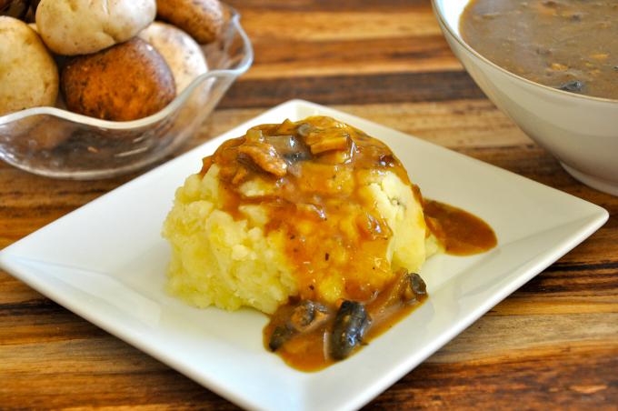 mushroom gravy 680