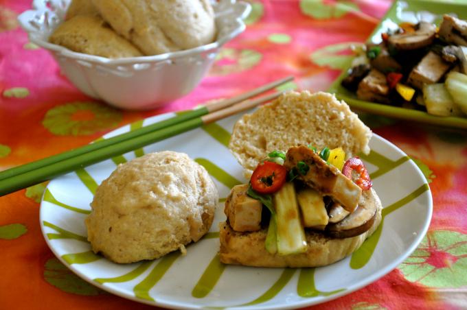 Vegan Stir-Fry in Coconut Buns