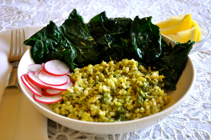 Sorrel is a wonderful addition and gives this gluten free rice bowl a zesty, vibrant kick! (#vegan) ordinaryvegan.net