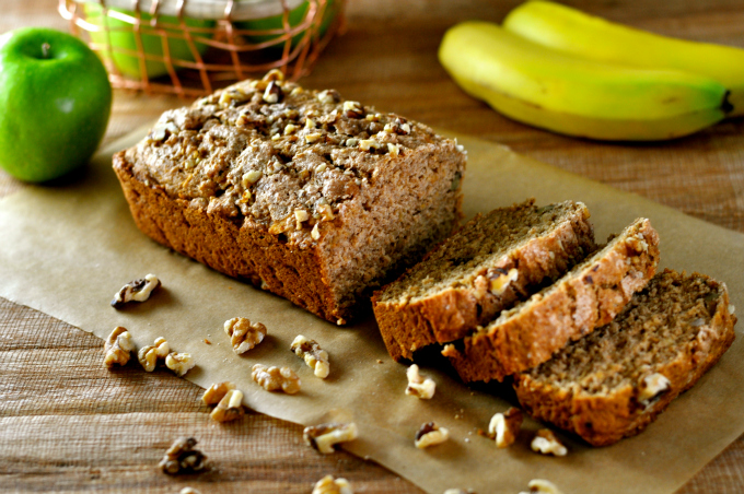 Cinnamon Bread with Apples and Walnuts