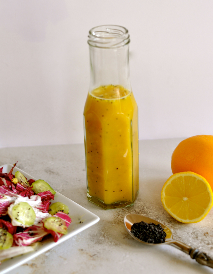 Transform your greens and vegetables with these bright, fresh, aromatic oil-free salad dressing recipes without all the calories. (#vegan) ordinaryvegan.net