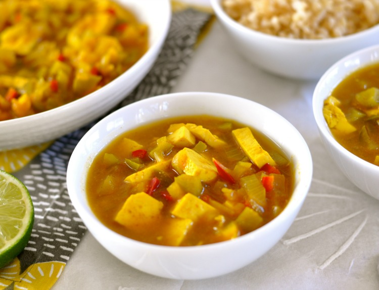 This healthy cape malay curry with tofu is packed with flavorful spices, and the dried apricots adds a sweet, savory flavor. (#vegan) ordinaryvegan.net
